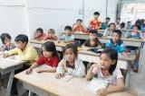 Mang con chữ đến với trẻ em Việt kiều Campuchia