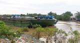 Tiền Giang: Sà lan gây tai nạn liên hoàn trên kênh Chợ Gạo