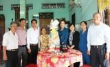 HĐND tỉnh Long An tặng quà tết cho gia đình chính sách
