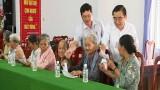 Châu Thành: Phó Bí thư Thường trực Tỉnh ủy - Đỗ Hữu Lâm tặng quà cho gia đình chính sách