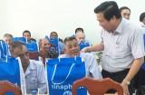 Bí thư Tỉnh uỷ, Chủ tịch HĐND – Phạm Văn Rạnh thăm, chúc tết Trung tâm Bảo trợ xã hội tỉnh