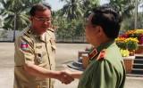 Trưởng Ty Công an tỉnh Svay Rieng-Vương quốc Campuchia chúc mừng năm mới Công an tỉnh Long An