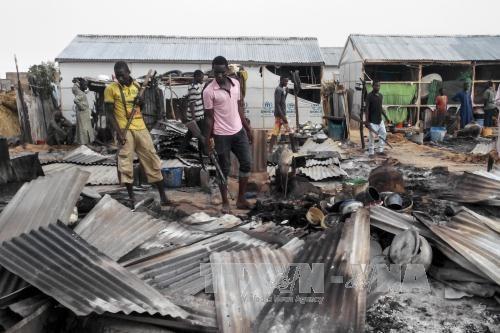 Hiện trường một vụ đánh bom liều chết ở Nigeria ngày 08/6/2017. (Ảnh minh họa: AFP/ TTXVN)