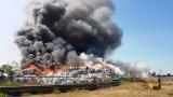 Tiền Giang: Cháy lớn kho phế liệu, nhà báo bị cản trở tác nghiệp