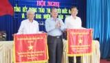 Lương Hòa, Thanh Phú nhận cờ thi đua xuất sắc