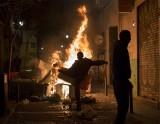 Tây Ban Nha dẹp người bán hàng rong - biểu tình bạo lực bùng phát