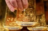 Giá vàng hôm nay 01/4: Vàng xuống dốc, giao dịch trầm lắng