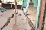 Thạnh Hóa: Sụt lún bất thường, vết nứt kéo dài 200m