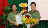 Nâng lương cấp bậc hàm cấp tướng cho Giám đốc Công an tỉnh