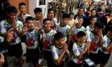 Thành viên đội bóng thiếu niên Thái Lan xuất hiện trước công chúng