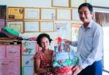 Phó Chủ tịch UBND tỉnh Long An thăm, tặng quà cho thương binh nặng