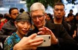 CEO Apple nói gì sau khi tập đoàn cán mốc giá trị 1.000 tỉ USD?