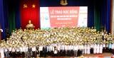 400 học sinh, sinh viên vượt khó hiếu học nhận học bổng năm 2018