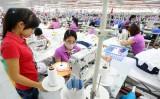Xuất khẩu dệt may đạt gần 10 tỉ USD nhưng chưa hết khó khăn