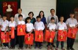 Thăm, tặng quà trung thu cho trẻ em nghèo, có hoàn cảnh đặc biệt khó khăn