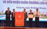 Hội Khuyến học Long An đón nhận Huân chương Lao động hạng Nhì
