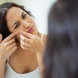 """8 sai lầm khi chăm sóc da mặt """"hủy hoại"""" làn da tự nhiên"""