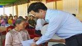 Phó Trưởng ban Tổ chức Trung ương dự Ngày hội Đại đoàn kết tại Tân Trụ