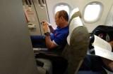 ĐT Việt Nam mắc kẹt trên máy bay 2 tiếng vì sân bay... không có ai
