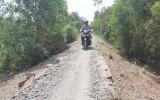 Tuyến đường ấp 3, xã Bình Hòa Đông hư hỏng nghiêm trọng