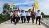 Nguyên Chủ tịch nước - Trương Tấn Sang dự lễ khánh thành cầu giao thông nông thôn