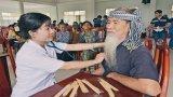 Quan tâm chăm sóc sức khỏe cho người nghèo