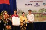 Minh Hưng Group tặng quà cho gia đình nạn nhân tai nạn giao thông ở Bến Lức