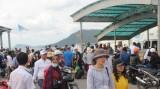 Mùng 2 Tết, du khách ồ ạt đổ ra Phú Quốc tham quan, nghỉ dưỡng