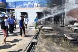Thạnh Hóa: Cháy lớn ở cây xăng, 2 người bị thương