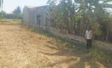 Lấn chiếm bờ ranh xây hàng rào, bất chấp việc xây dựng trái phép trên hành lang giao thông đường bộ
