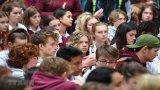 Cả đất nước New Zealand mặc niệm các nạn nhân trong vụ xả súng