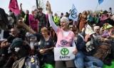Cảnh sát Anh bắt giữ hơn 700 nhà hoạt động chống biến đổi khí hậu