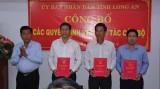 UBND tỉnh Long An công bố các quyết định về công tác cán bộ