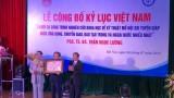 Giám đốc Bệnh viện nội tiết TW nhận chứng nhận kỷ lục Việt Nam
