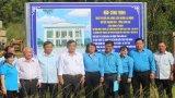 Lễ gắn biển công trình Nhà thi đấu đa năng Liên đoàn Lao động huyện Thạnh Hóa