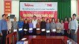 Báo Tiền Phong tặng quà cho gia đình chính sách, người có công ở Long An