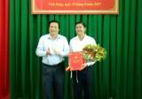 Tỉnh ủy Long An trao quyết định điều động, bổ nhiệm Bí thư Huyện ủy Vĩnh Hưng