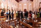 Cảnh sát tìm kiếm những người sống sót trong loạt vụ nổ ở Sri Lanka