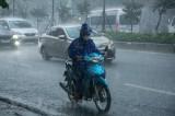Bắc Bộ bước vào đợt mưa dông diện rộng, Trung Bộ nắng nóng