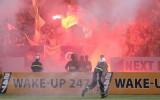 Hà Nội FC bị phạt 85 triệu đồng, treo sân 2 trận vì pháo sáng