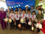 Bếp ăn từ thiện Thiện Tâm trao quà Trung thu tại xã Tân Phước Tây