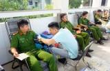 Tuổi trẻ Bến Lức hăng hái tham gia hiến máu tình nguyện
