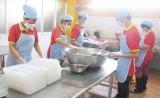 Bài 2:Cải thiện chất lượng bữa ăn cho công nhân