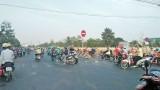 Tăng cường bảo đảm an toàn giao thông cho người đi mô tô, xe đạp điện