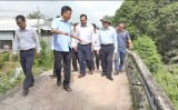 Nguyên Chủ tịch nước - Trương Tấn Sang khảo sát xây cầu giao thông nông thôn tại thị xã Kiến Tường