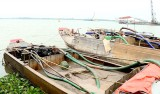 Vĩnh Long: Bắt quả tang 3 phương tiện hút cát trên sông Tiền