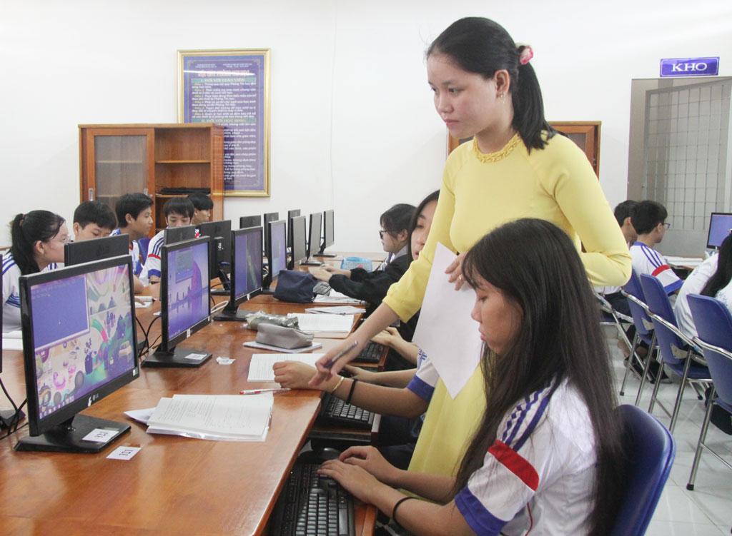 Học sinh quan tâm thực hành và tự học để nâng cao kiến thức
