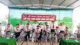 Agribank Long An tặng xe đạp cho học sinh nghèo