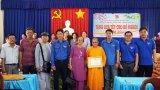 Thanh niên Báo Long An, Sở Xây dựng trao quà Tết tại huyện Vĩnh Hưng