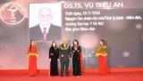 Tôn vinh 118 trí thức tiêu biểu của Tổng hội Y học Việt Nam